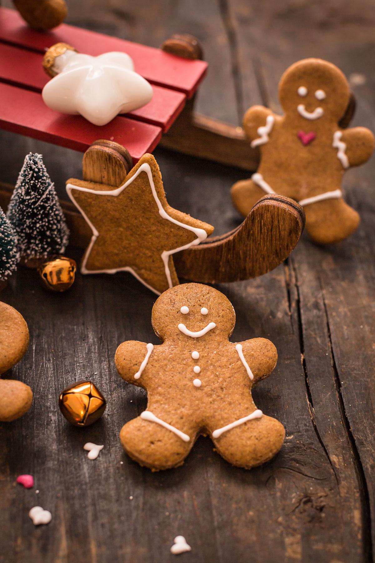 delicious vegan gingerbread man vegani - biscotti pan di zenzero vegani croccanti leggeri e friabili #vegan gingerbread senza burro