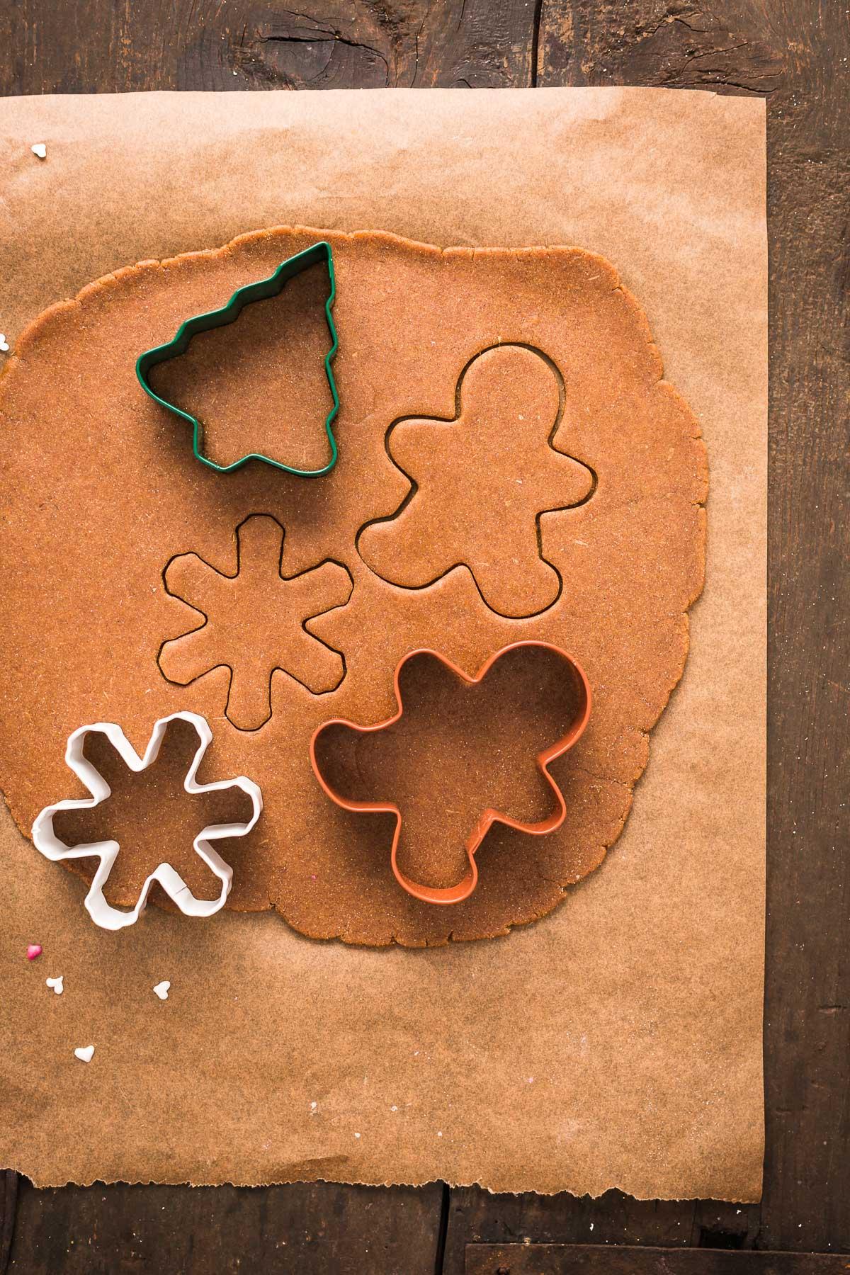vegan gingerbread man vegani - ricetta biscotti pan di zenzero vegani croccanti leggeri friabili #vegan gingerbread senza burro