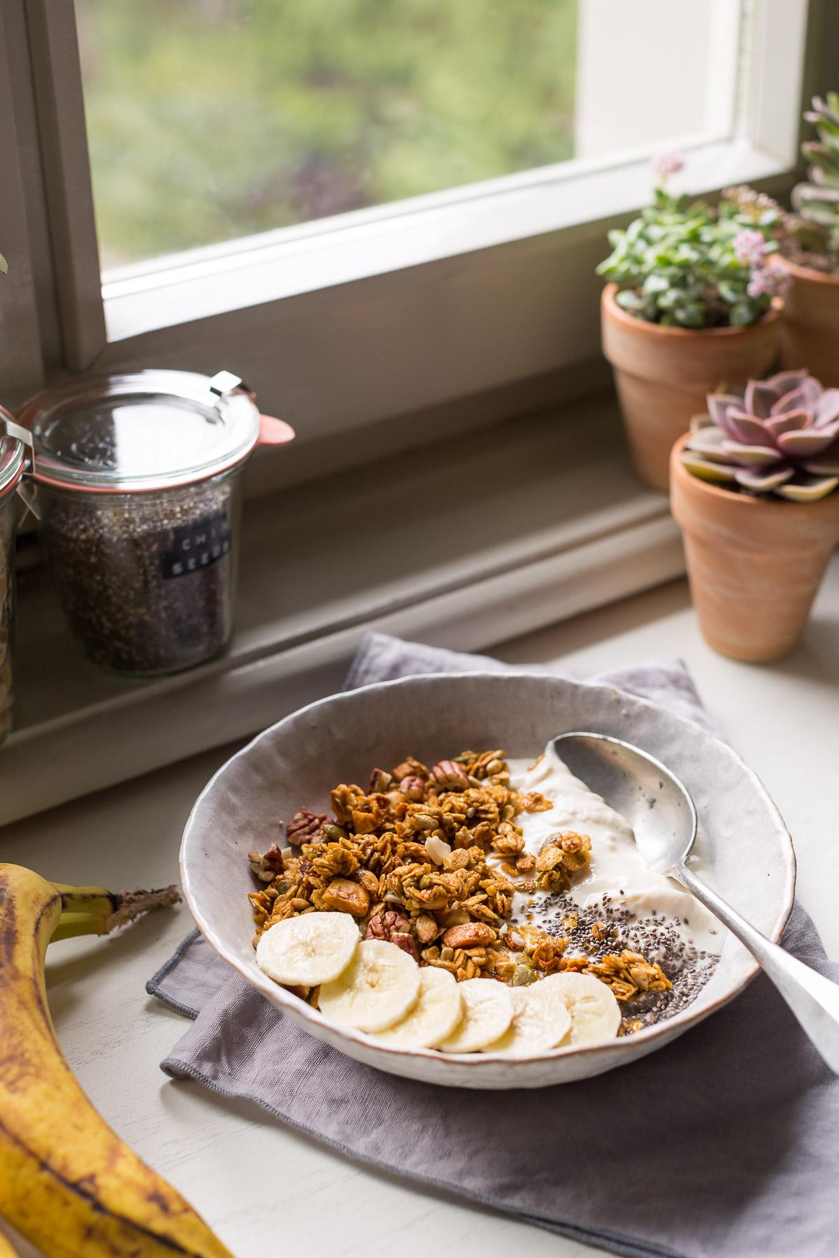 simple 30 MINUTES VEGAN #BANANA BREAD GRANOLA #glutenfree recipe banana bread granola ricetta #vegan senza glutine con sciroppo d acero