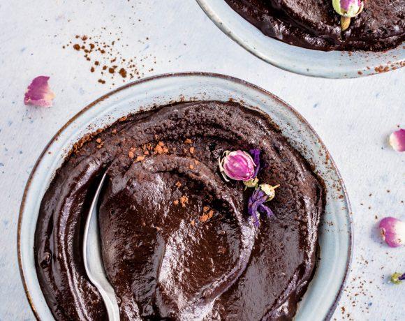 BEAUTY FOOD MOUSSE AVOCADO CACAO e DATTERI Vegan – 5 minuti – 5 ingredienti