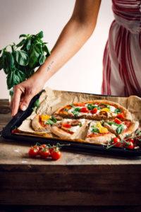 How to make VEGAN SPELT PIZZA with VEGAN MOZZARELLA SAUCE with tomato and basil pizza PIZZA di FARRO a lunga lievitazione PIZZA VEGAN con SALSA MOZZARELLA VEGAN pomodori e basilico