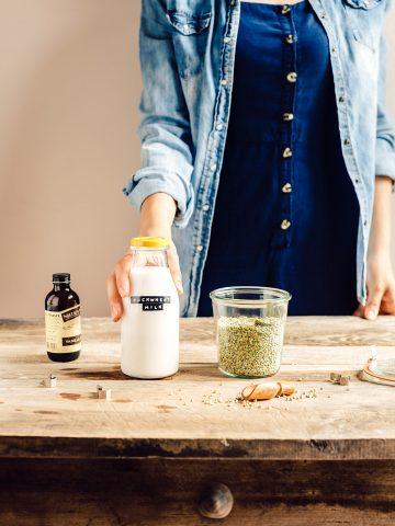 come preparare il LATTE di GRANO SARACENO fatto in casa vegan cremoso ricetta facile veloce How to make BUCKWHEAT MILK at home with slow juicer #dairyfree milk glutenfree
