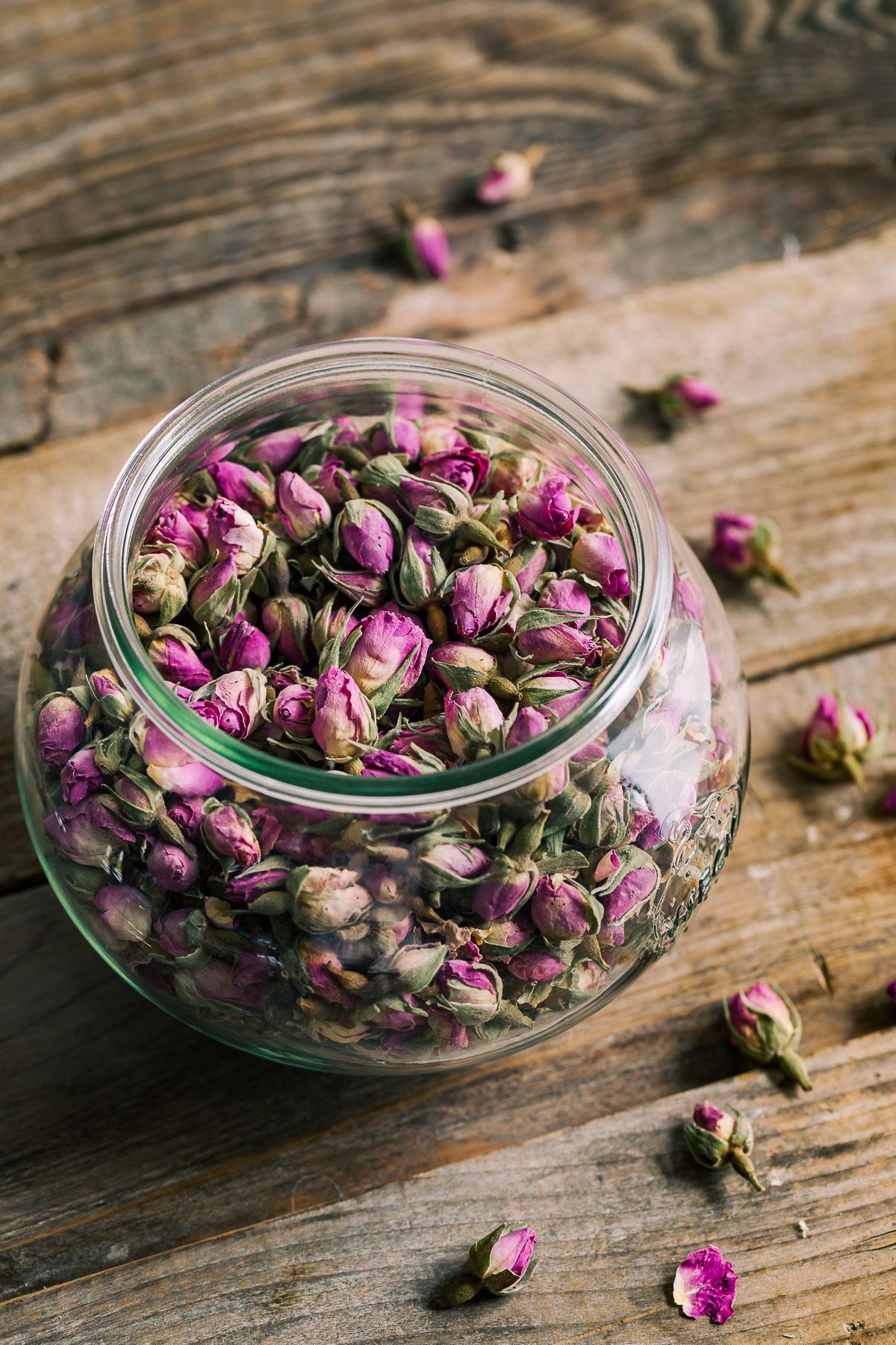 APRICOT JAM with maple syrup and Damascena ROSE infused tea ricetta CONFETTURA di ALBICOCCHE e sciroppo d acero con infuso tea alle ROSE di Damasco infuso tea