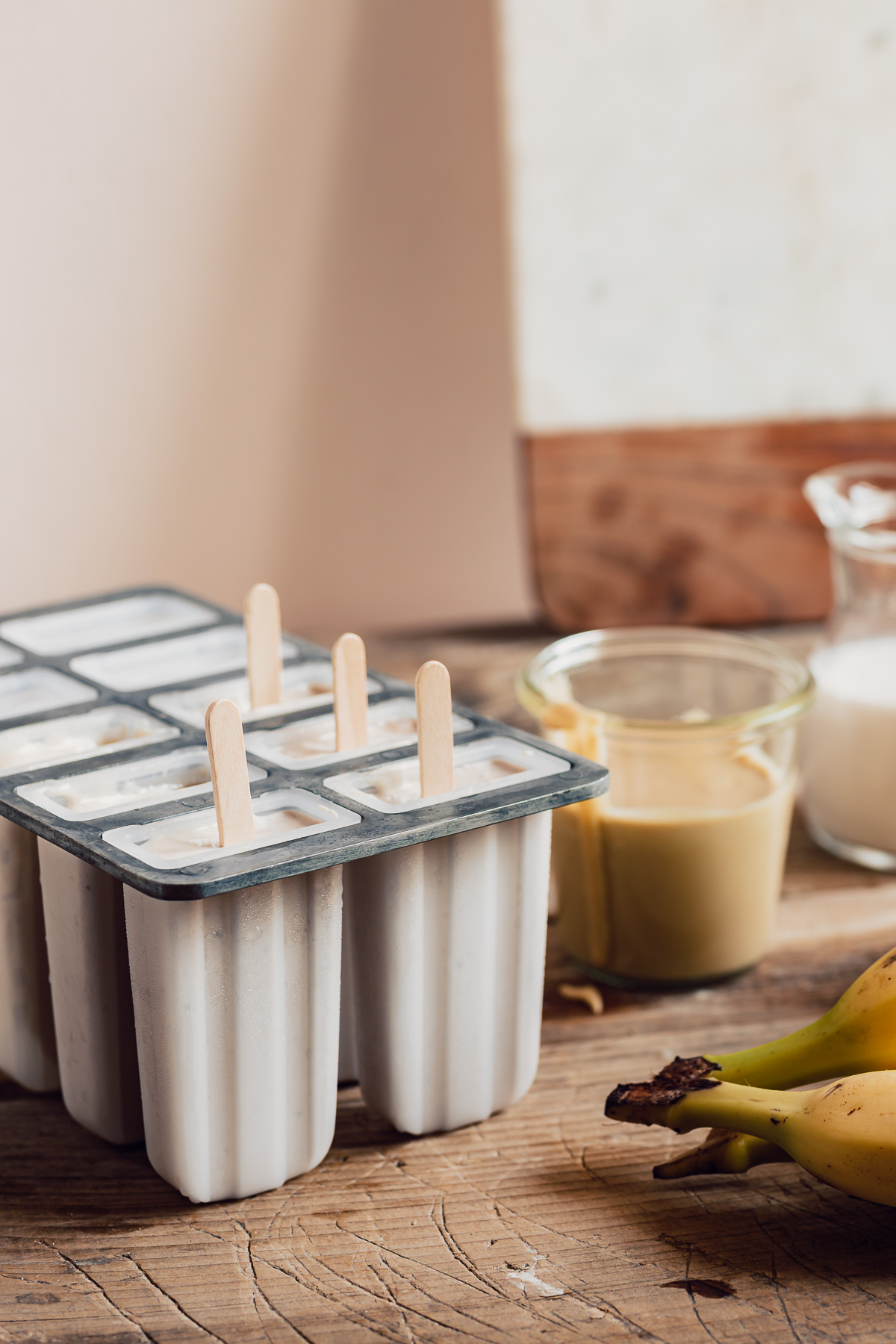 Come fare il gelato NICE CREAM alla BANANA e TAHINA ghiaccioli con glassa al cioccolato bianco fatta in casa VEGAN banana tahini nice cream popsicles with white chocolate glaze recipe