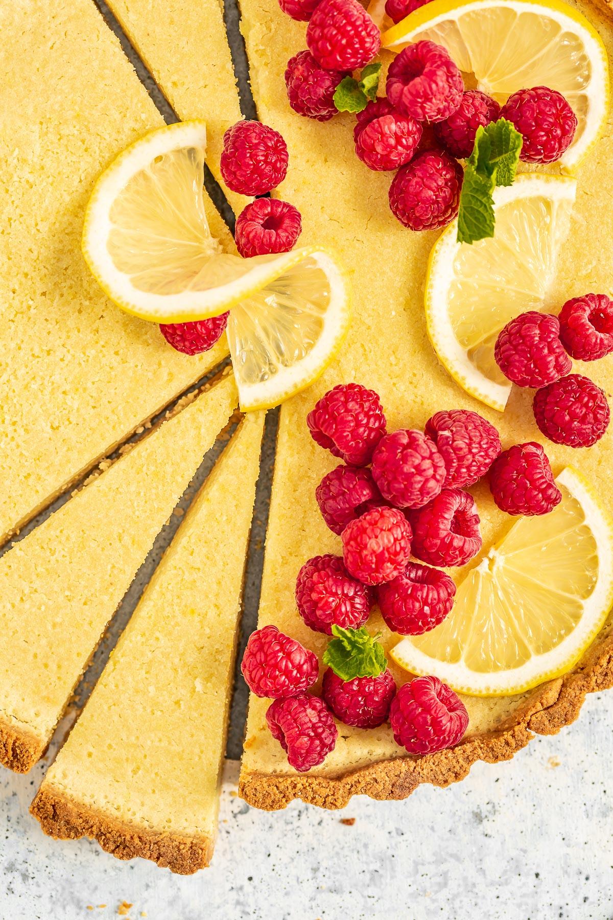 Refined Sugar-Free Gluten-Free Vegan Lemon Tart with Almond Crust CROSTATA al LIMONE VEGAN con pasta FROLLA ALLE MANDORLE senza glutine