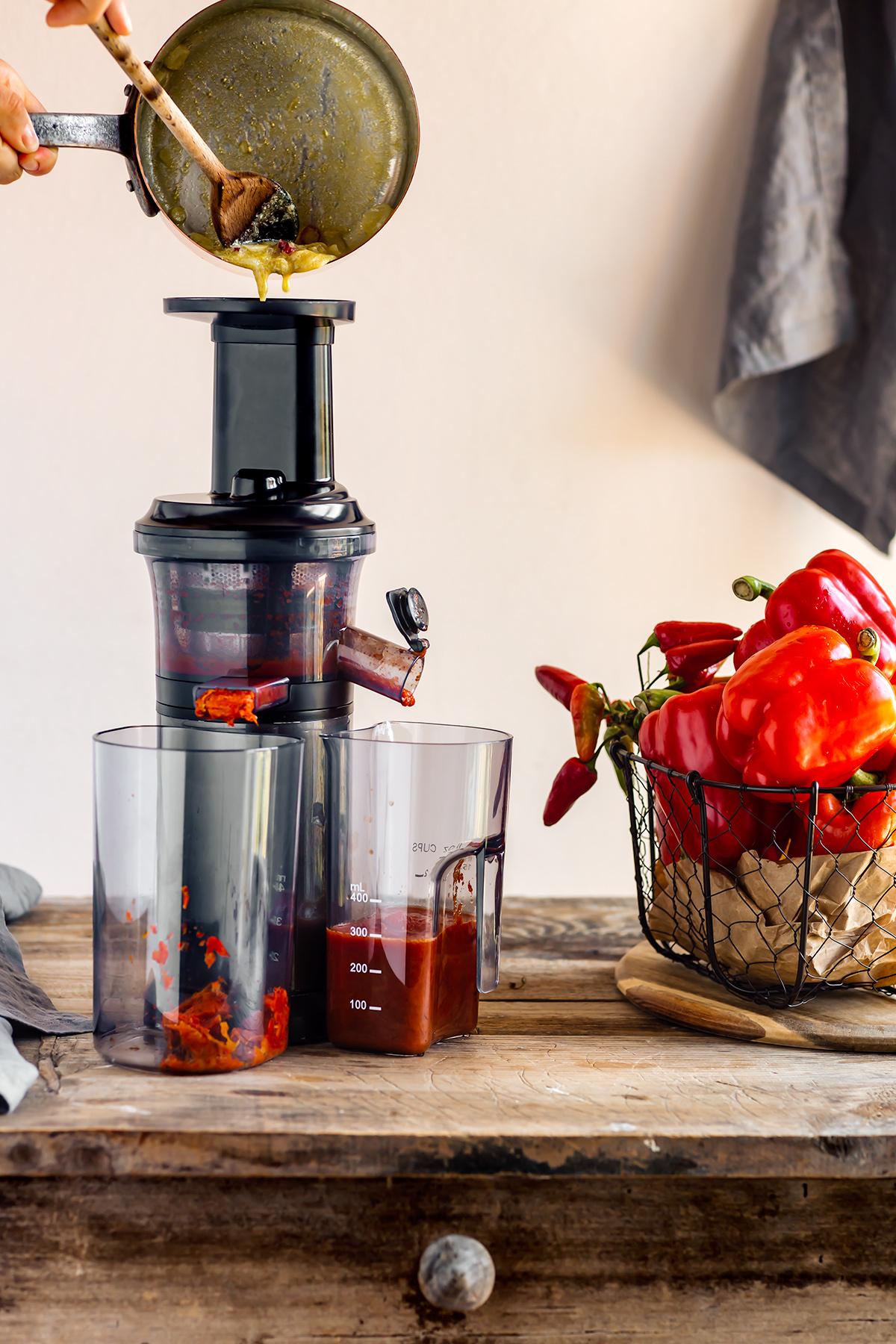 come preparare la pasta conSALSA ai PEPERONI arrostiti how to make creamy vegan ROASTED RED PEPPER PASTA SAUCE