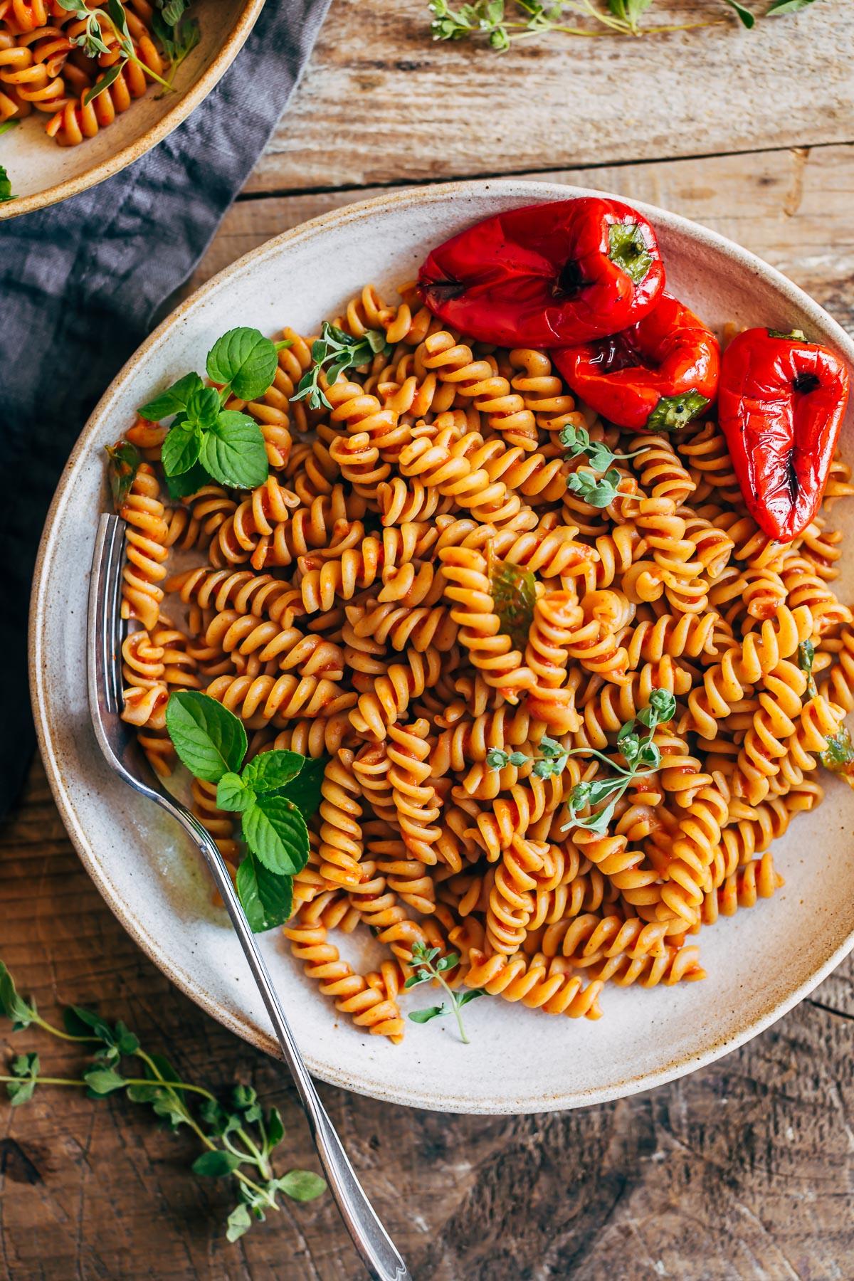 creamy vegan ROASTED RED PEPPER PASTA SAUCE cremosa pasta conSALSA ai PEPERONI arrostiti sensa glutine
