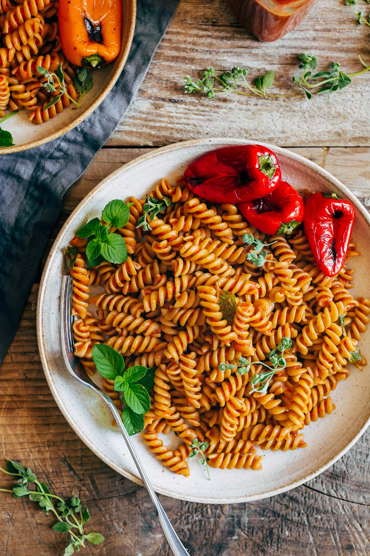 creamy vegan ROASTED RED PEPPER PASTA SAUCE recipe ricetta cremosa pasta con SALSA ai PEPERONI arrostiti