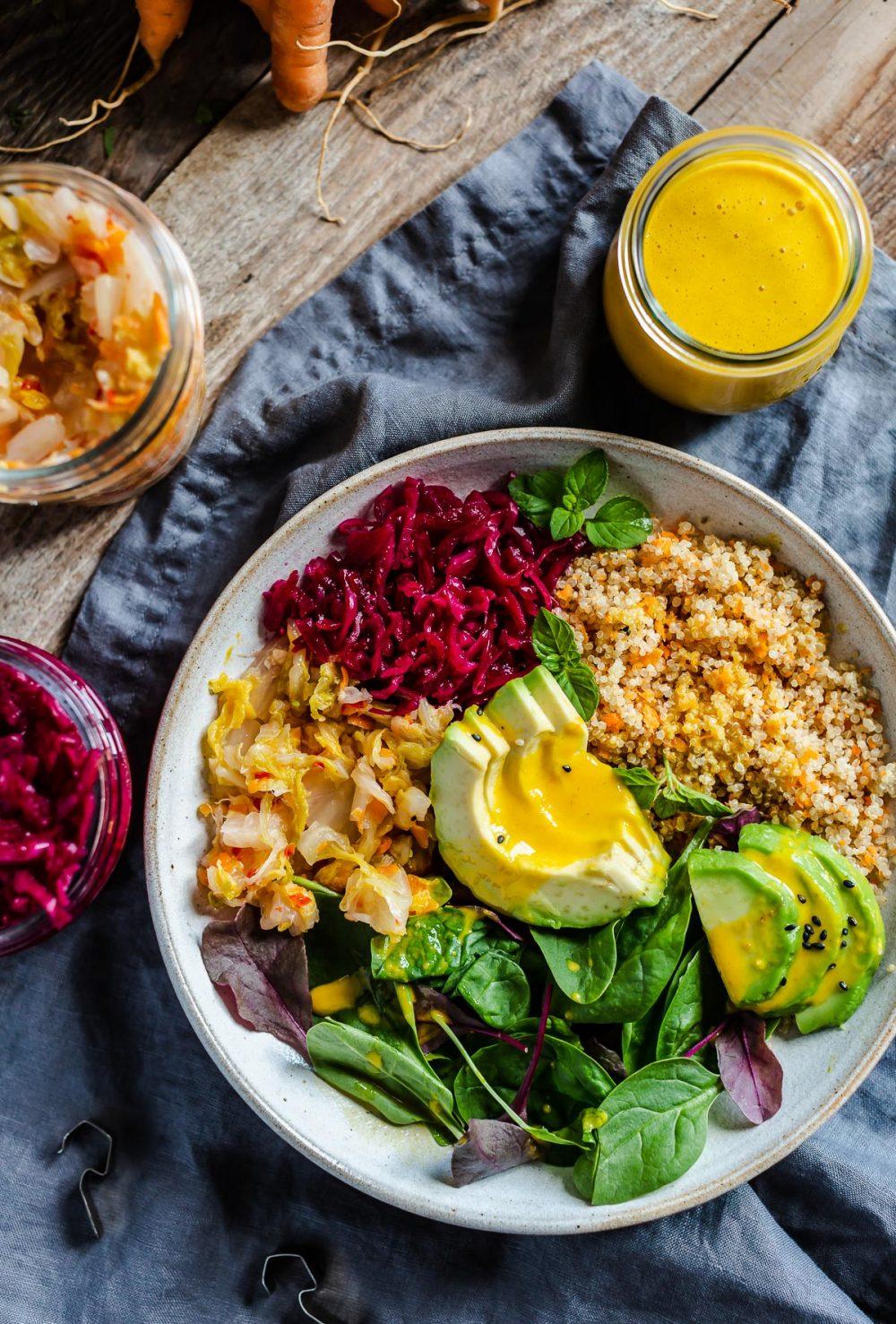 healthy vegan CARROT GINGER DRESSING for salads and buddha bowls dressing alle CAROTE e ZENZERO condimento per insalate insaltone ricetta light