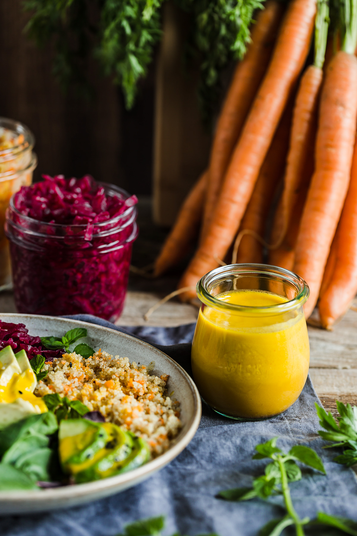 vegan CARROT GINGER DRESSING for salads and buddha bowls #healthy dressing alle carote e zenzero per insalate insaltone ricetta light