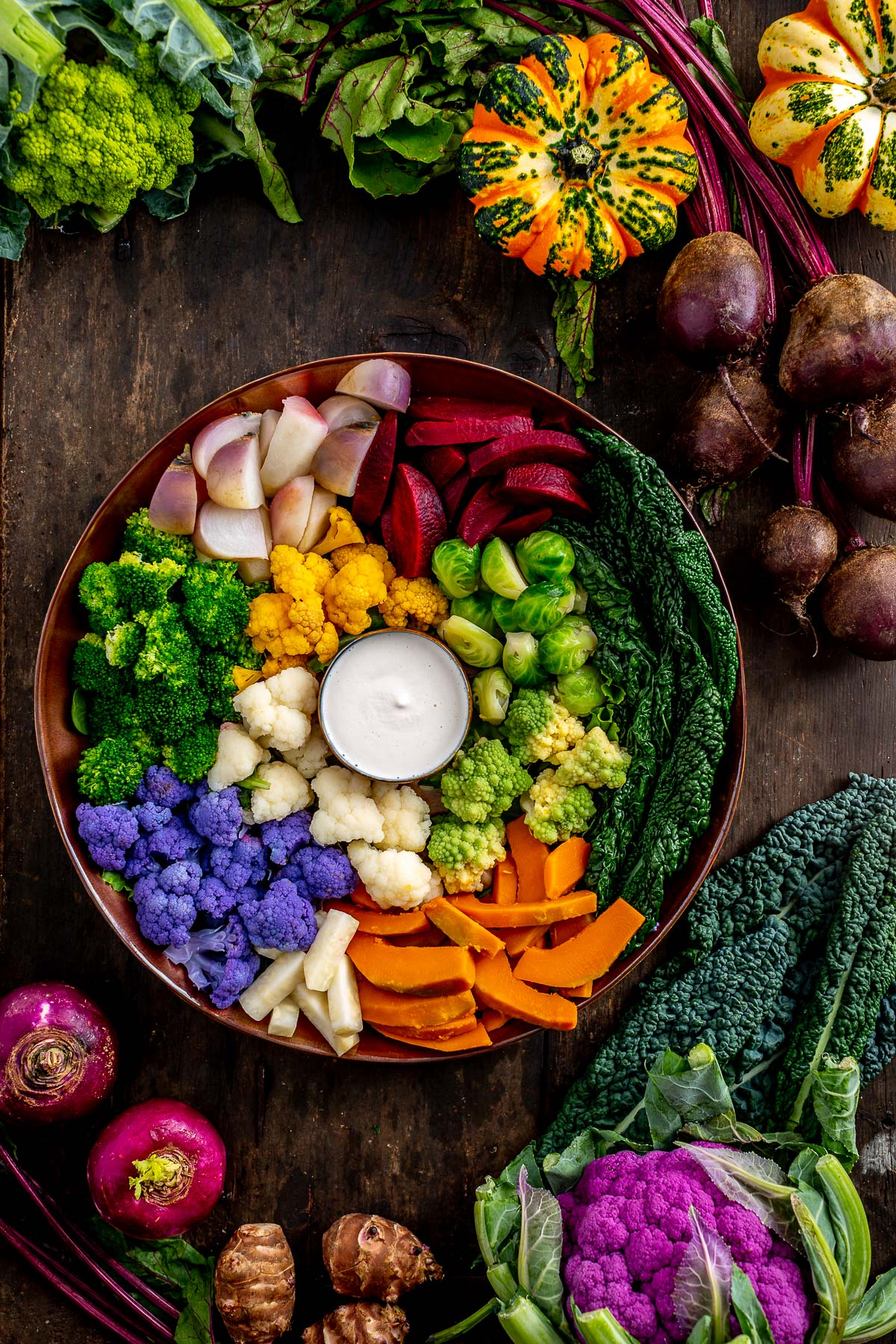 Vegan grain-free FALL HARVEST BUDDHA BOWL with steamed vegetables and EGG-FREE AIOLI Buddha bowl autunnale insalata di verdure al vapore e aioli senza uova