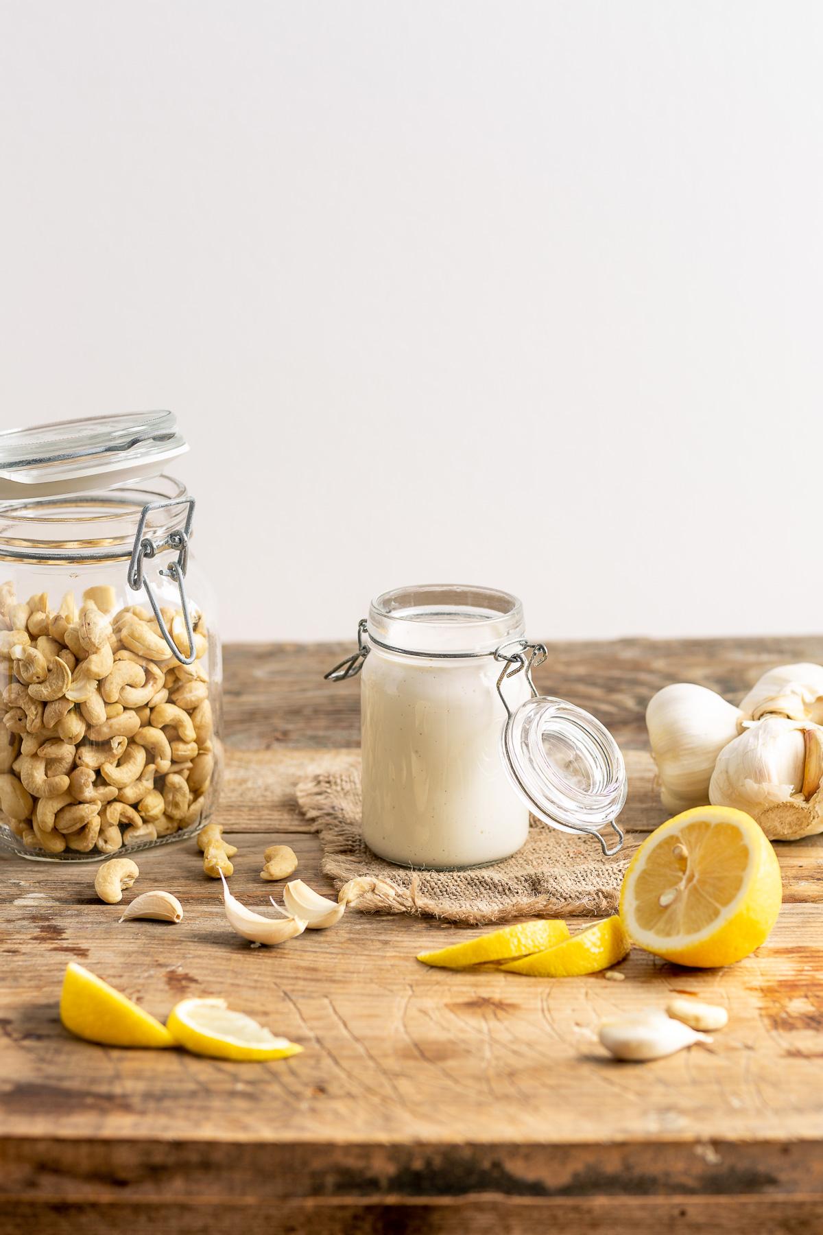 creamy VEGAN CASHEW AIOLI recipe egg-free paleo ricetta cremosa salsa aioli di anacardi senza uova vegan