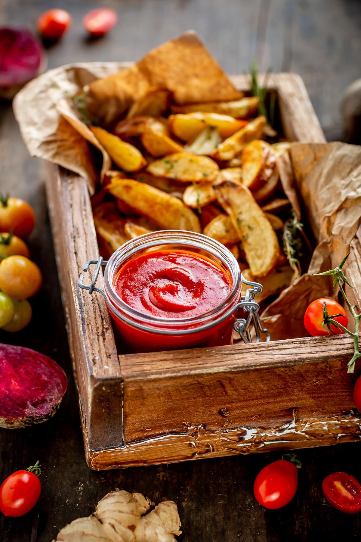 healthy VEGAN homemade tomato BEET KETCHUP recipe refined sugar free ricetta KETCHUP fatto in casa alla BARBABIETOLA sano vegan senza glutine senza zucchero raffinato