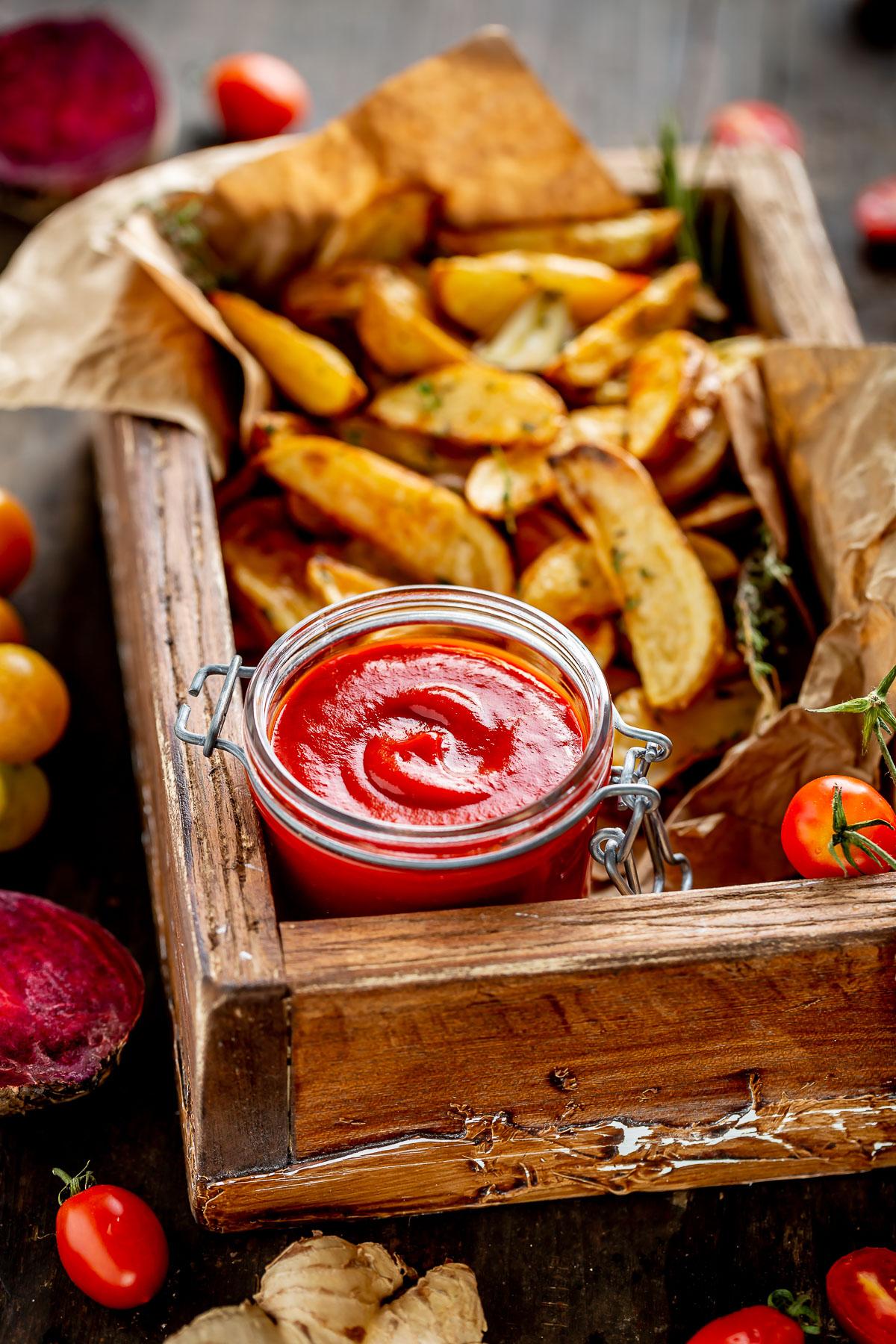 ricetta KETCHUP fatto in casa alla BARBABIETOLA Vegan senza glutine senza zucchero raffinato VEGAN homemade tomato BEET ketchup recipe refined sugar free #healthy