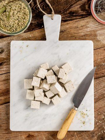how to make HOMEMADE HEMP TOFU recipe Vegan Paleo Keto with hemp seeds come preparare il TOFU di CANAPA fatto in casa senza soia con semi di canapa