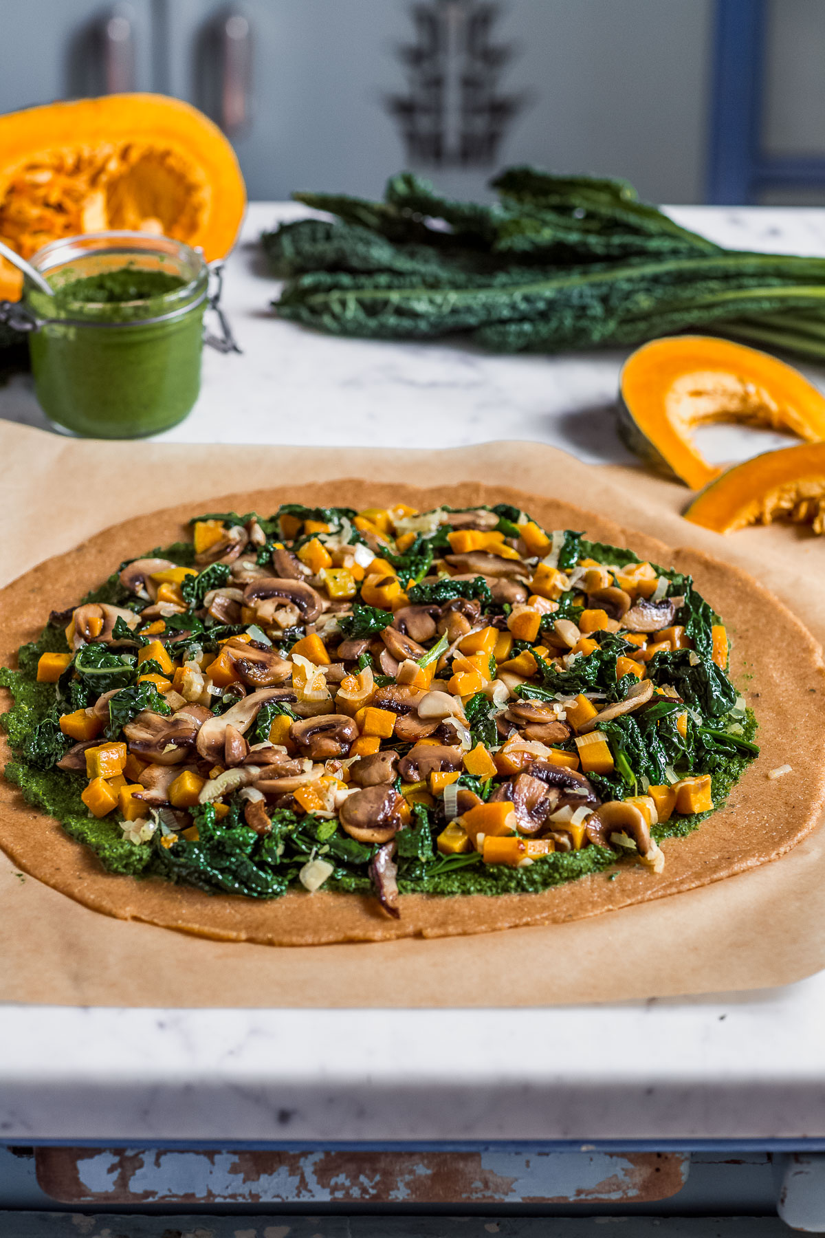 VEGAN Mushroom #Pumpkin GALETTE with #kale pesto and vegetables Torta salata zucca e funghi vegan con verdure e pesto di cavolo nero