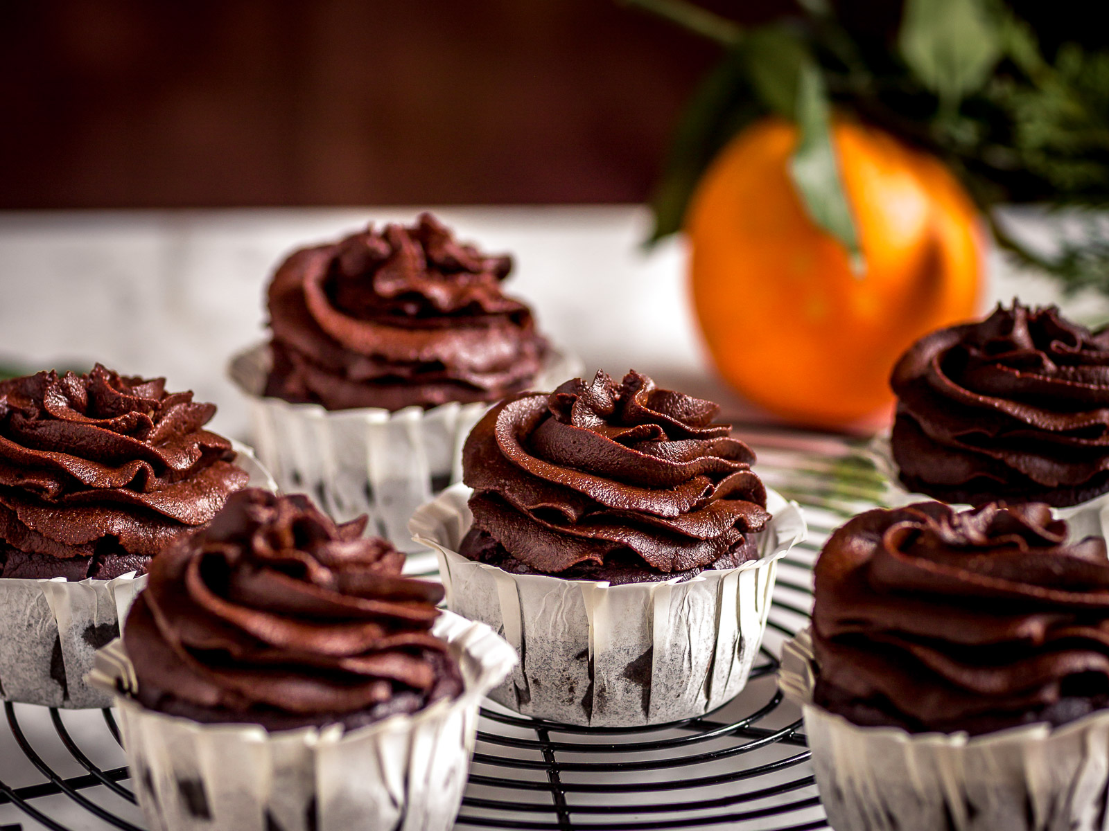 CUPCAKES VEGAN al CIOCCOLATO ARANCIA e ZUCCA mousse al cioccolato datteri e zucca senza zucchero #Vegan CHOCOLATE PUMPKIN CUPCAKES with orange and DATE #CHOCOLATE frosting #vegan