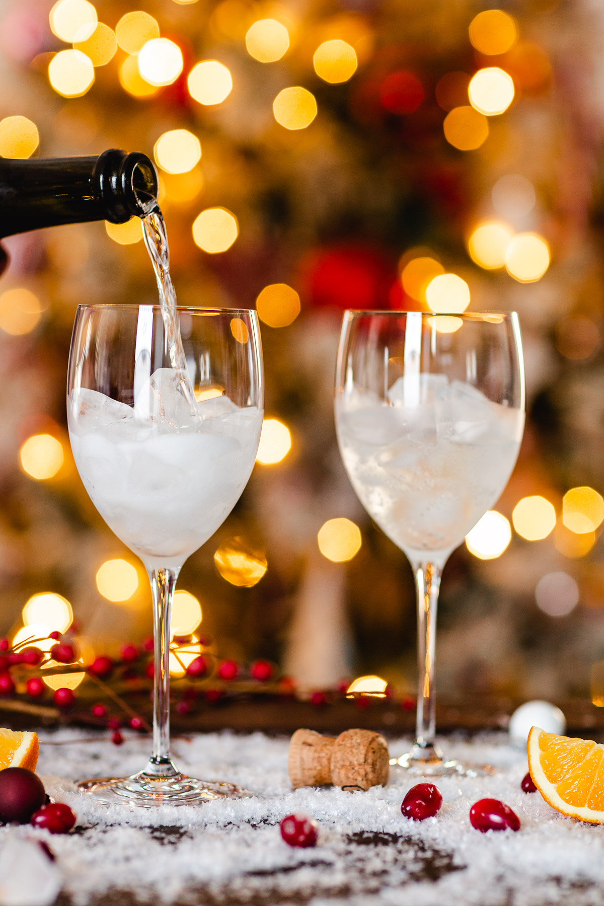How to make Winter Holiday Christmas Spritzer recipe with cranberry juice Ricetta SPRITZ di NATALE con Aperol Prosecco succo di arance cranberry mirtilli rossi fatto in casa