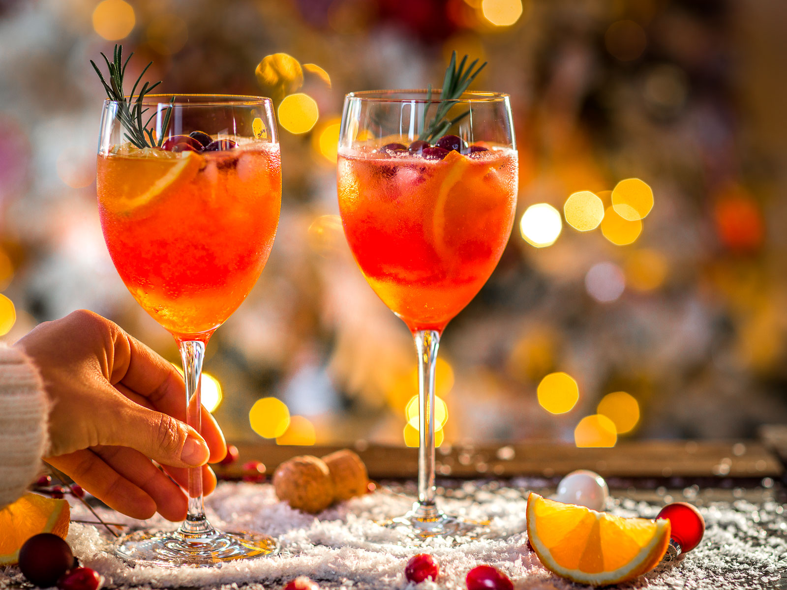 Ricetta SPRITZ di NATALE con succo di arance e cranberry mirtilli rossi Winter Holiday Christmas Spritzer recipe vegan buon Natale Merry Christmas photography