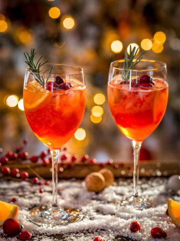 WINTER HOLIDAY CHRISTMAS SPRITZER recipe with cranberry orange juice Ricetta SPRITZ di NATALE con succo di arance e cranberry mirtilli rossi APERITIVO #CHRISTMAS