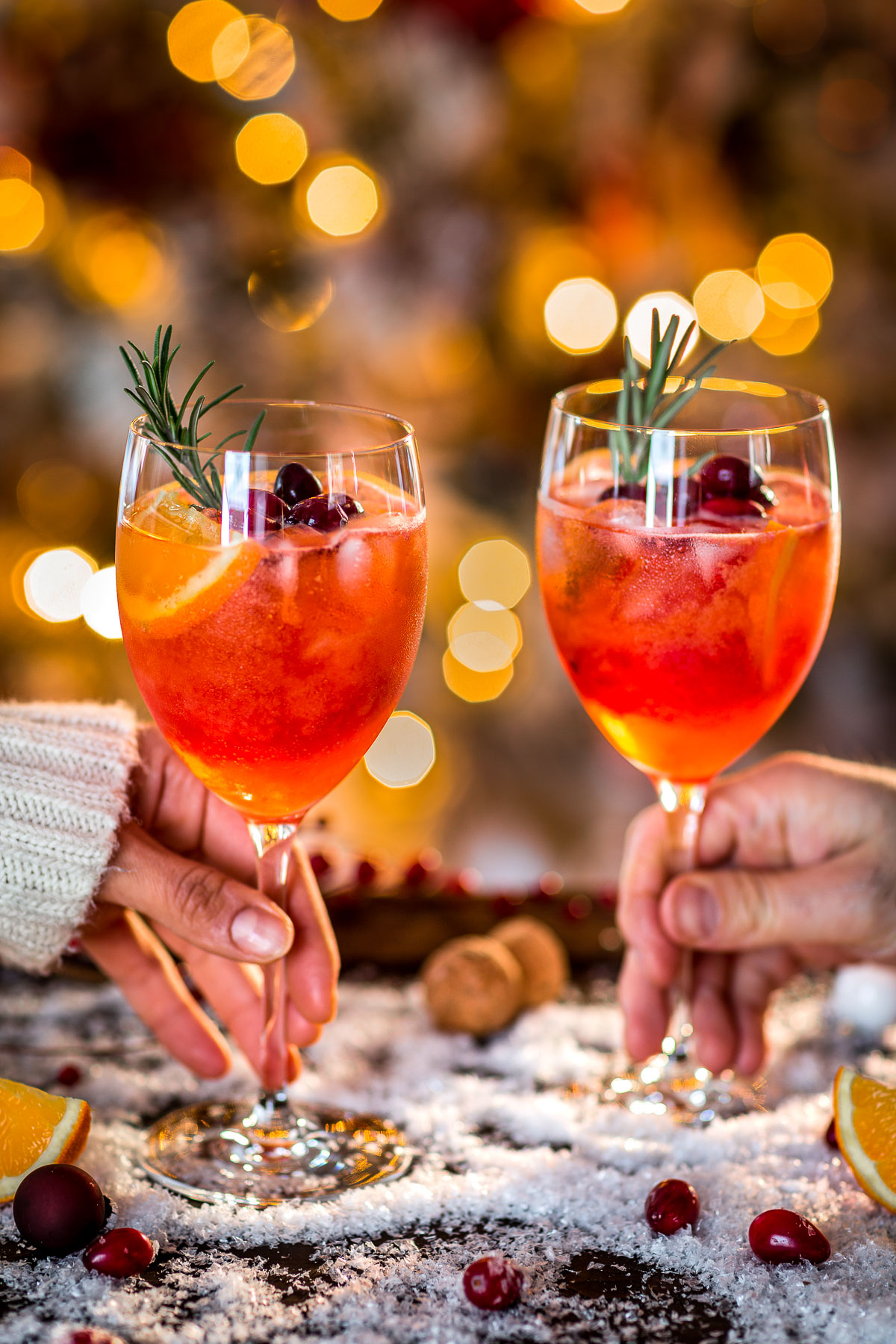 WINTER HOLIDAY CHRISTMAS SPRITZER recipe with cranberry orange juice Ricetta SPRITZ di NATALE con succo di arance e cranberry mirtilli rossi per APERITIVO #CHRISTMAS