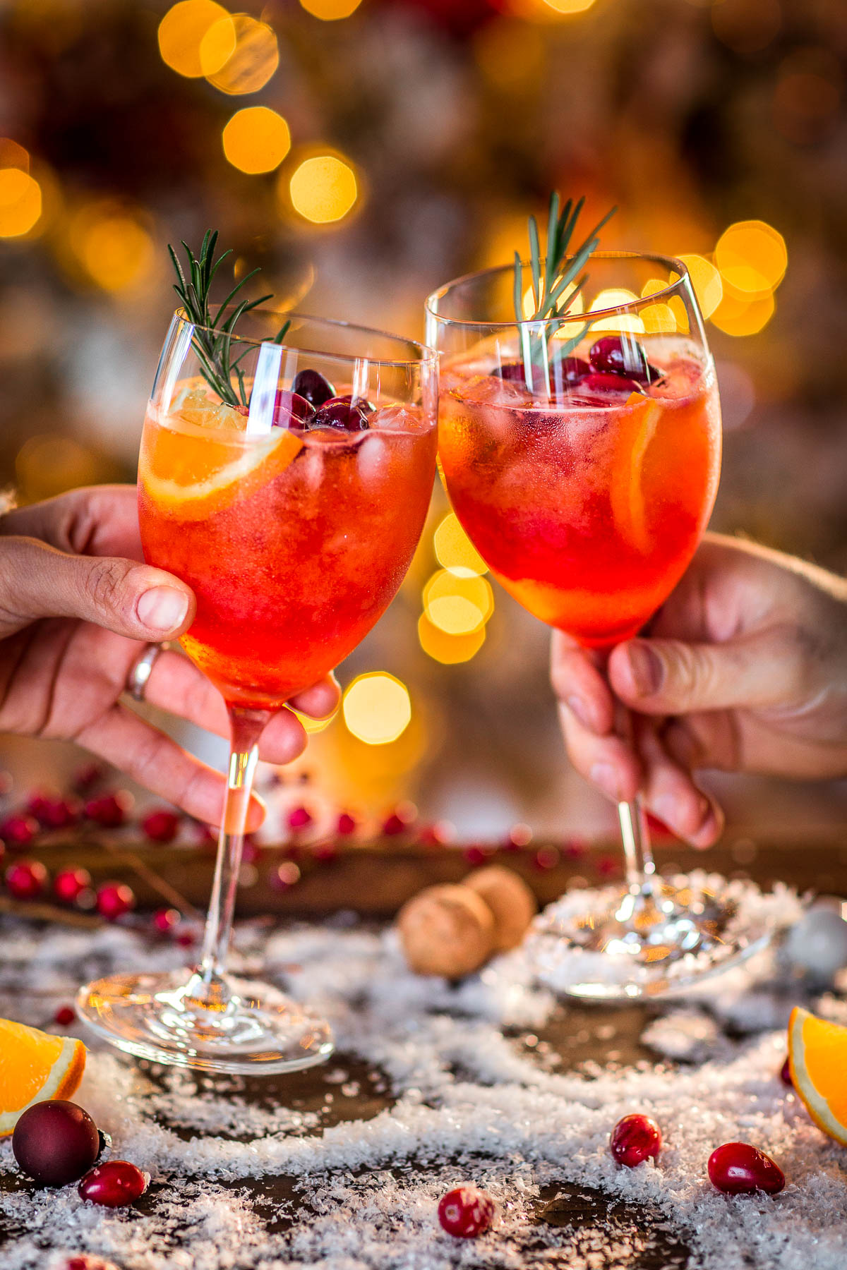 WINTER HOLIDAY CHRISTMAS SPRITZER recipe home made with orange and cranberry juice Ricetta SPRITZ di NATALE con succo di arance e cranberry mirtilli rossi | beautyfoodblog.com