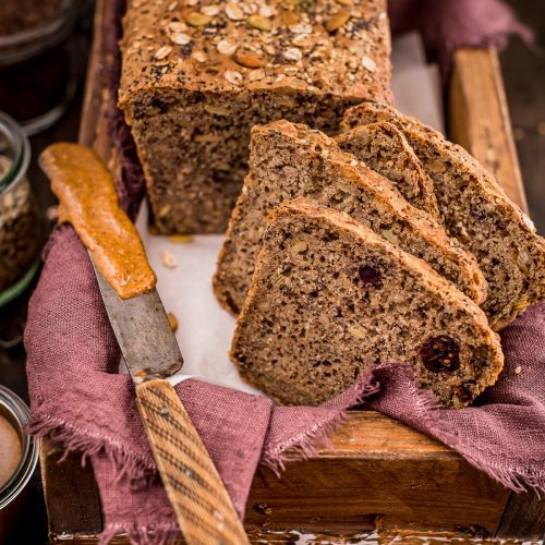 #breakfast multi cereal WHOLE GRAIN SEED BREAD with oats spelt flakes and buckwheat | PANE da COLAZIONE MULTICEREALE - PANE INTEGRALE ai CEREALI e SEMI con avena farro grano saraceno #healthy #colazione #vegan #seeds #bread | www.beautyfoodblog.com