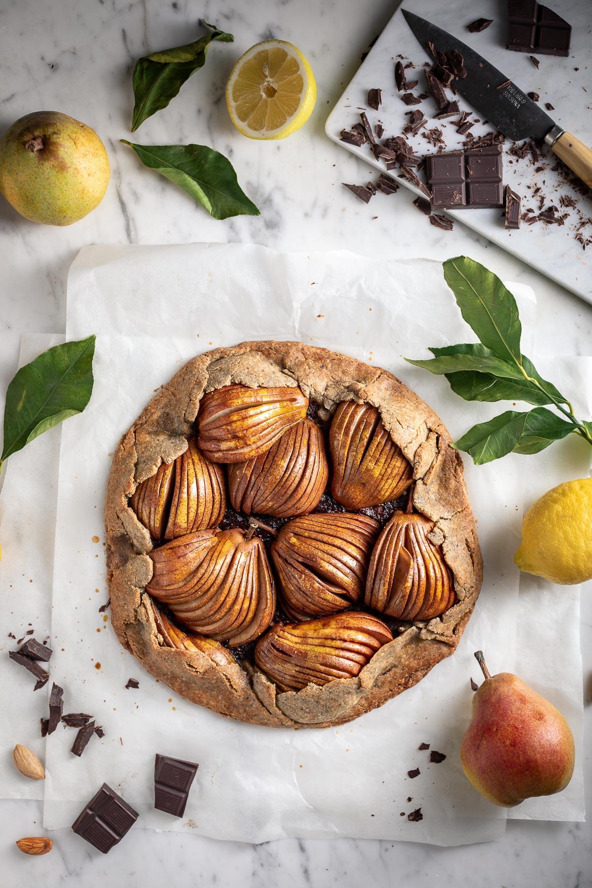 Gluten-free Buckwheat Almond Vegan Chocolate Pear Galette recipe Galette al cioccolato e pere vegan senza glutine pasta frolla grano saraceno e mandorle #pear #chocolate