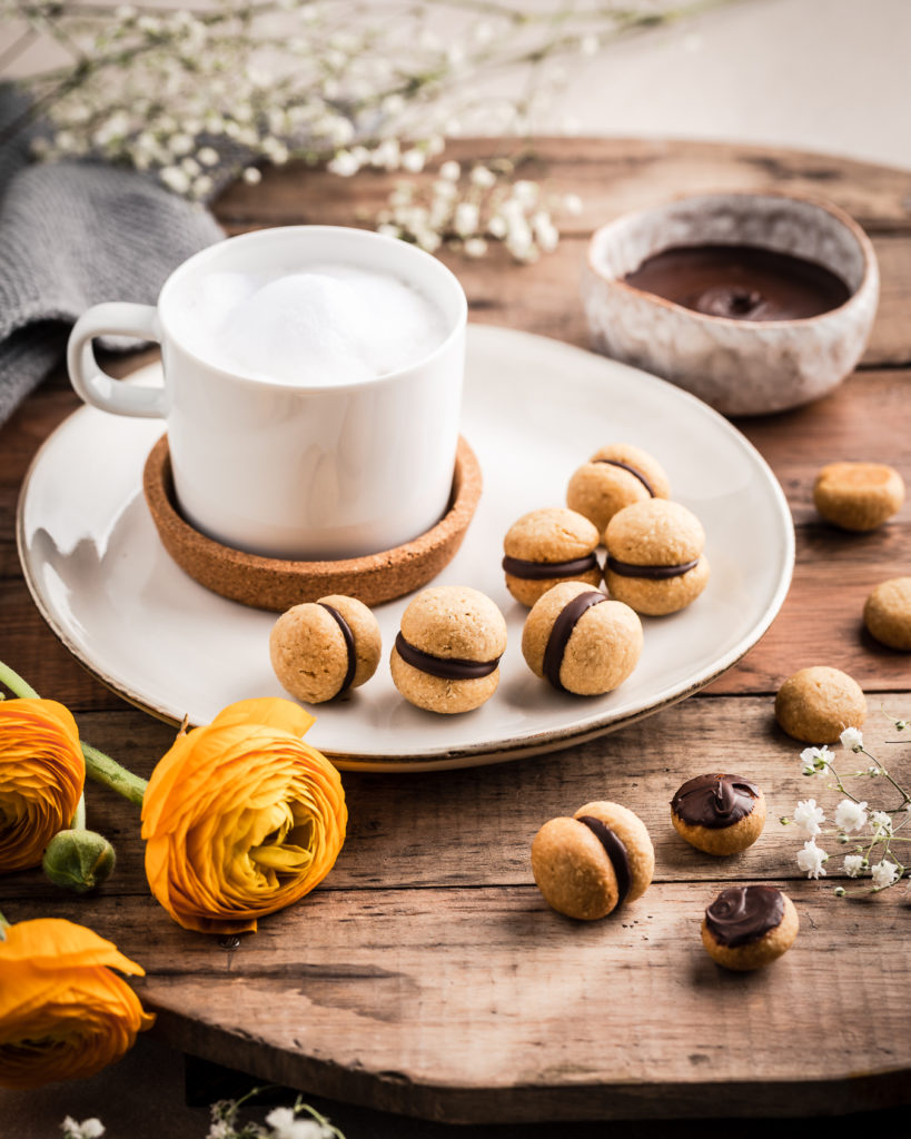 baci di dama vegan al farro primavera vegan italian chocolate cookies biscotti beautyfoodblog