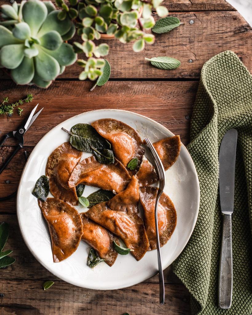 casoncelli vegan di grano arso e ricotta di mandorle con burro veg e salvia beautyfoodblog vegan fresh pasta