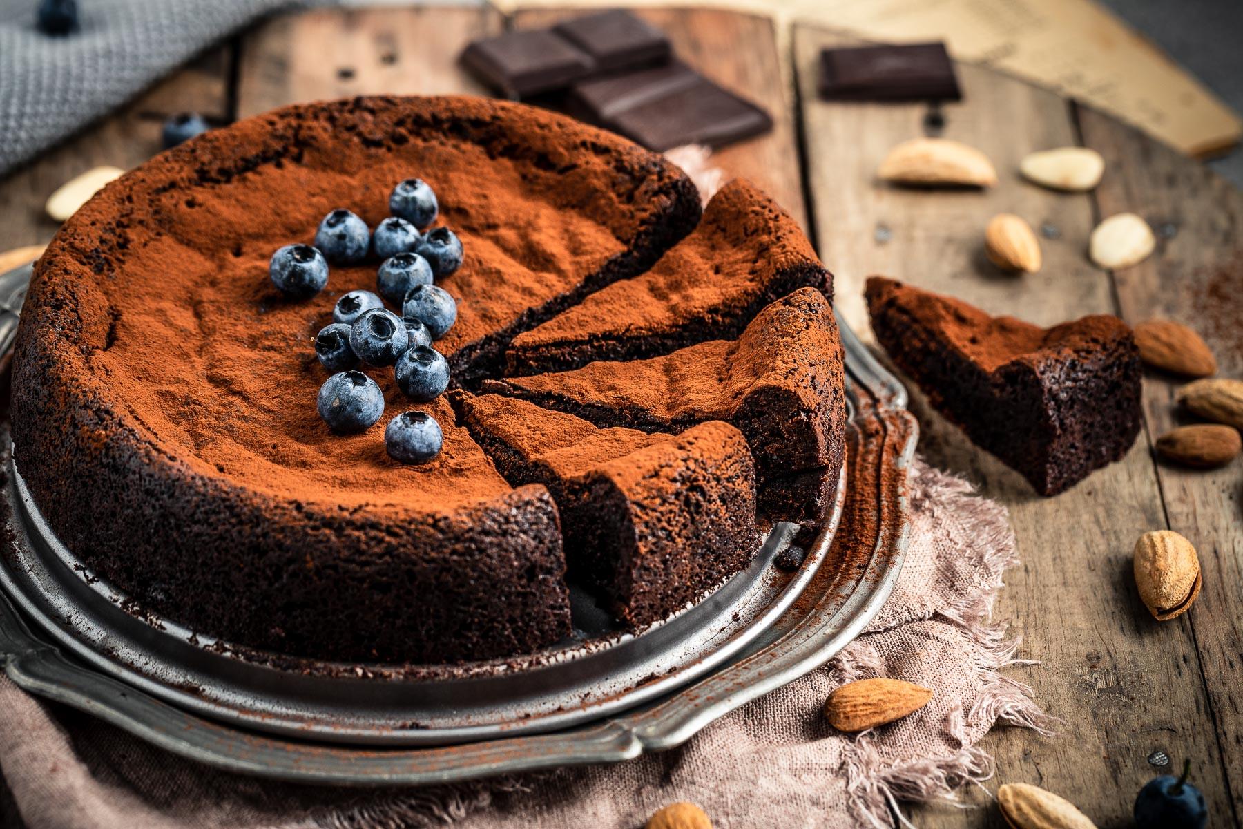TORTA al CIOCCOLATO e MANDORLE vegan senza glutine senza farina gluten-free paleo FLOURLESS VEGAN CHOCOLATE CAKE recipe