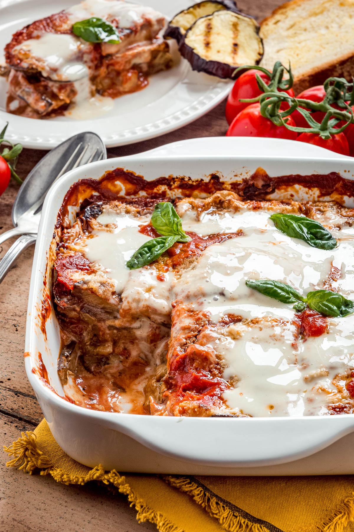 Italian Vegan EGGPLANT PARMESAN recipe with homemade vegan mozzarella ricetta MELANZANE alla PARMIGIANA VEGAN LIGHT al FORNO con mozzarella vegan fatta in casa e parmigiano veg