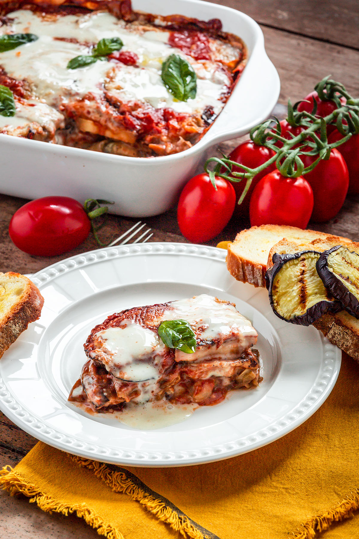 Italian Vegan EGGPLANT PARMESAN with homemade vegan mozzarella MELANZANE alla PARMIGIANA VEGAN LIGHT al FORNO con mozzarella vegan fatta in casa e parmigiano vegan