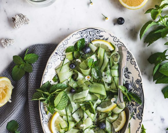 healthy cucumber mint salad with sesame miso dressing insalata light insalata di cetrioli e menta al sesamo e miso #vegan #foodphotography