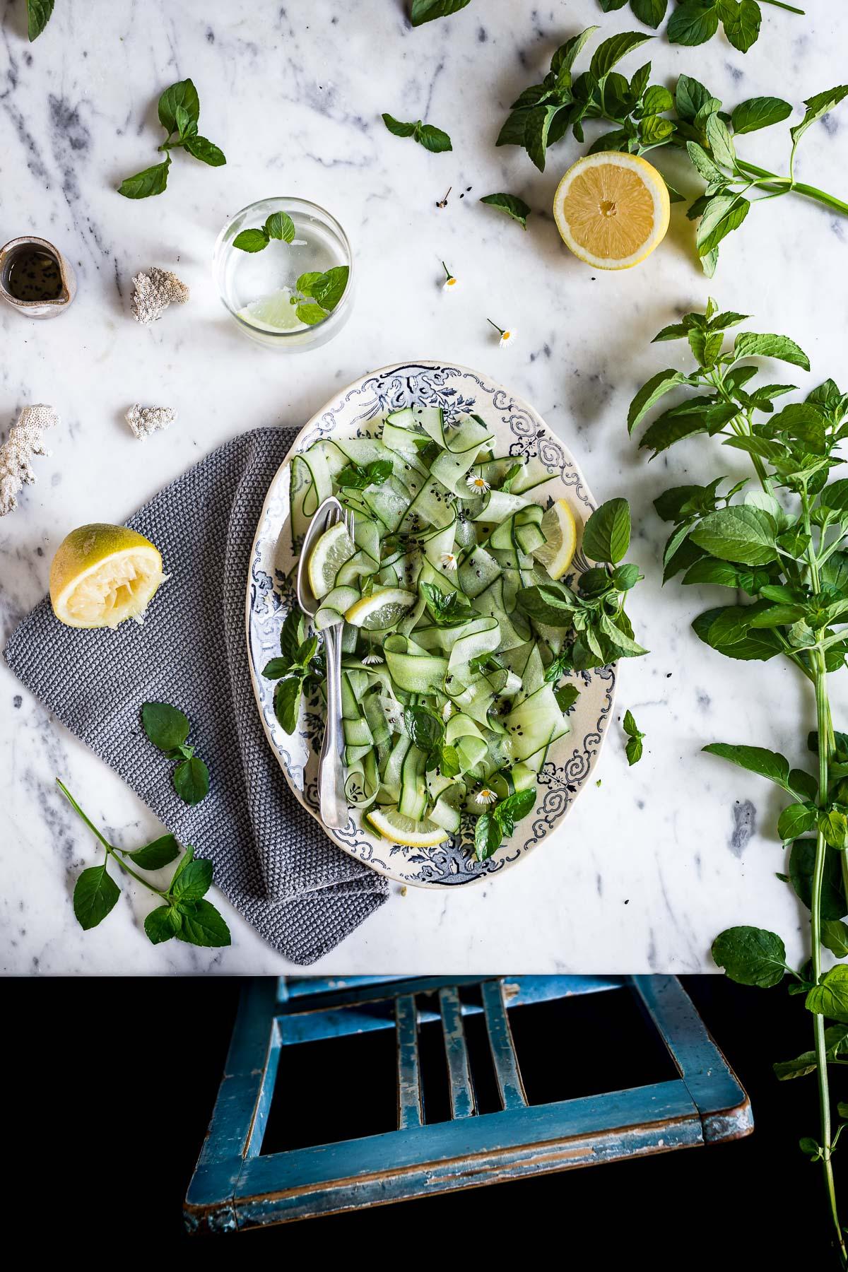 insalata di cetrioli e menta al sesamo e miso cucumber mint salad with sesame miso dressing
