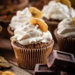CUPCAKES VEGAN alla BANANA senza glutine con cioccolato chocolate chip gluten-free VEGAN BANANA CUPCAKES