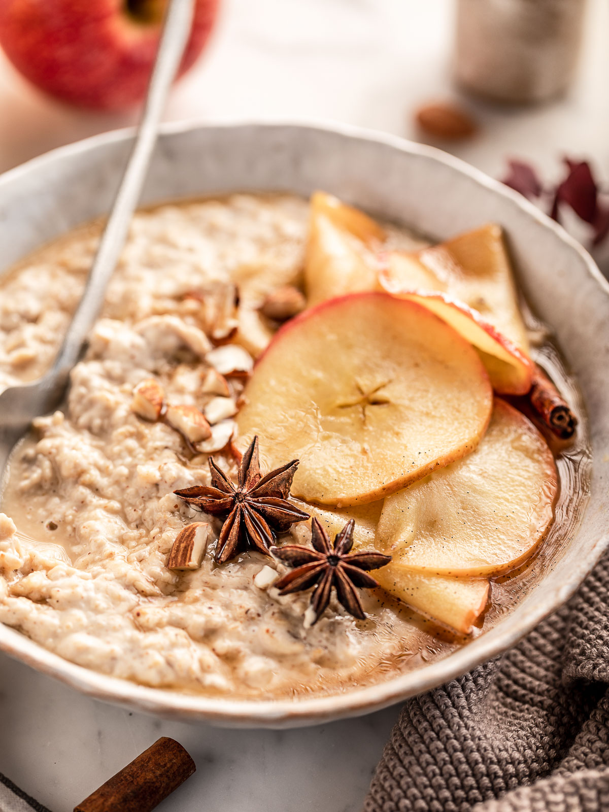 ricetta porridge alle mele e cannella cremoso porridge torta di mele vegan healthy creamy apple pie oatmeal recipe senza glutine gluten-free