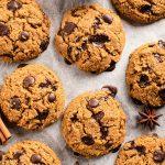 GLUTEN FREE VEGAN CHOCOLATE CHIP PUMPKIN COOKIES recipe with almonds oats coconut oil ricetta COOKIES VEGAN SENZA GLUTINE alla ZUCCA e cioccolato integrali con olio di cocco mandorle senza burro