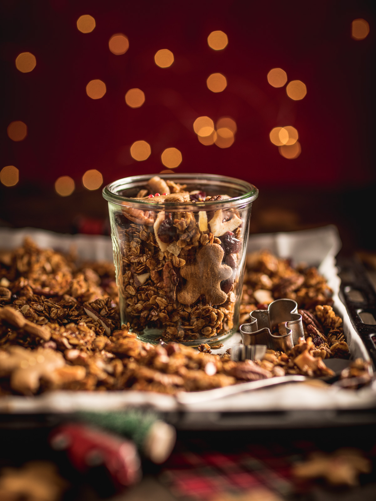 Gingerbread Granola for breakfast Crispy sweet and spiced recipe diy Christmas gift idea #vegan #glutenfree ricetta granola pan di zenzero colazione sana idea regalo di Natale