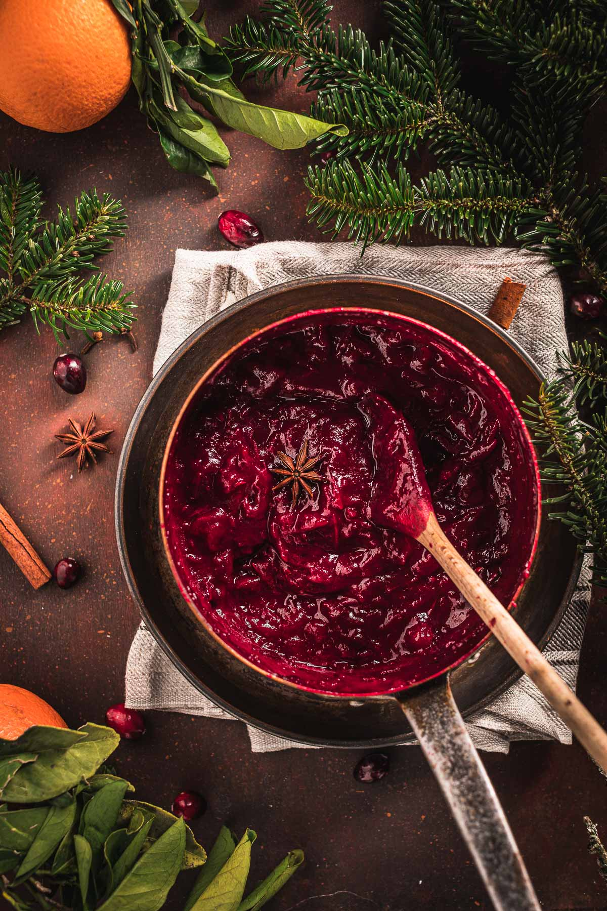 Ricetta salsa di mirtilli rossi senza zucchero vegan Natale Easy Maple Cranberry Sauce recipe naturally sweetened with maple syrup Thanksgiving