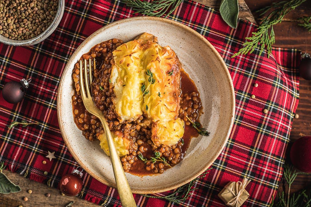 Vegan Shepherd's Pie di lenticchie con ragù di lenticchie funghi e purè di patate per Inverno e Natale healthy lentil shepherds pie for Thanksgiving Christmas #glutenfree