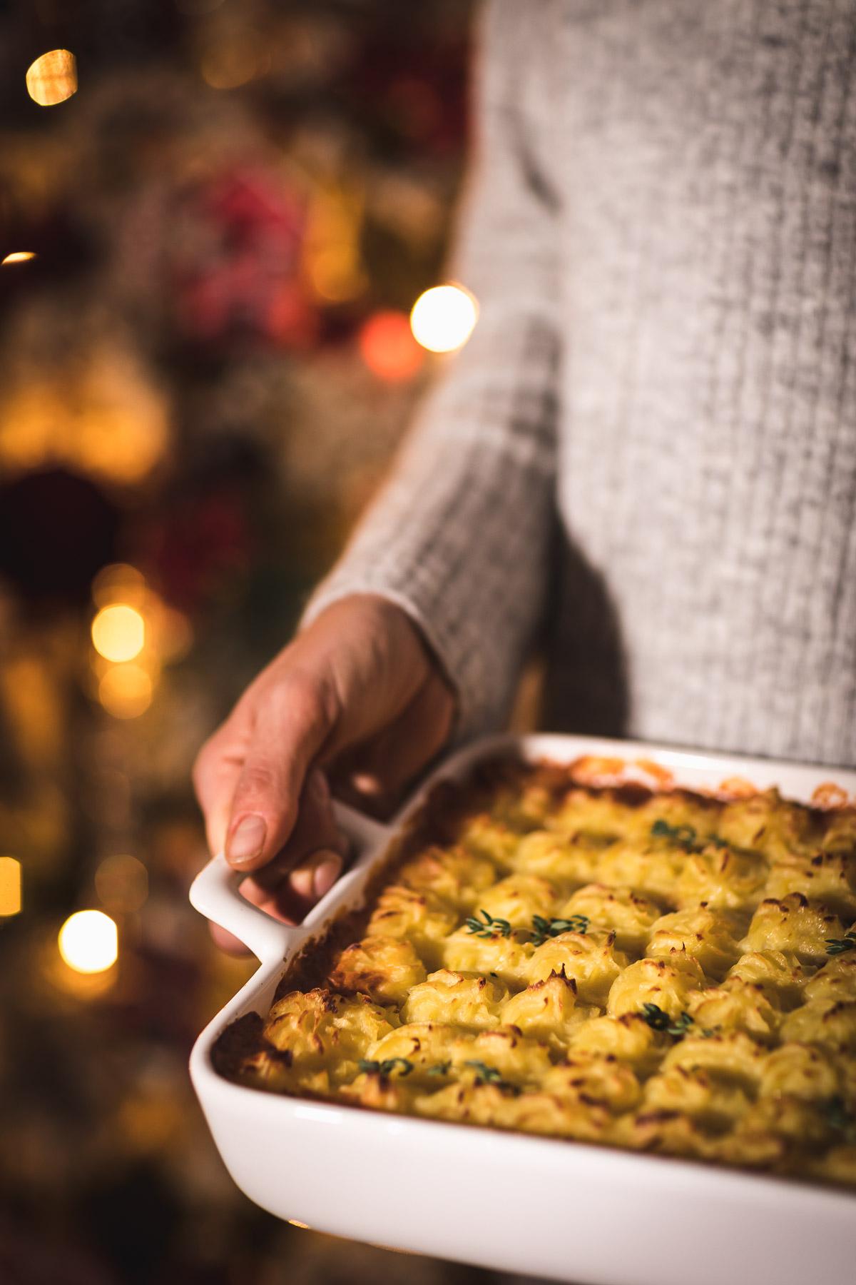 healthy Vegan Lentil Shepherd's Pie recipe cottage pie for Thanksgiving ricetta di Natale Vegan Shepherd's Pie di lenticchie con ragù di lenticchie funghi