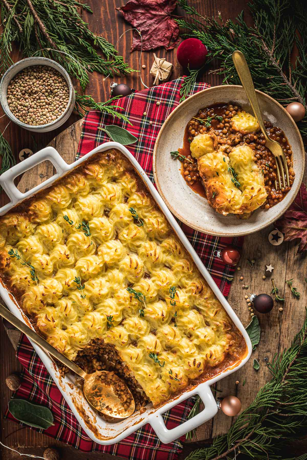 healthy Vegan Shepherd's Pie recipe with lentil ragu for Thanksgiving ricetta di Natale Shepherd's Pie vegan di lenticchie con ragù di lenticchie funghi