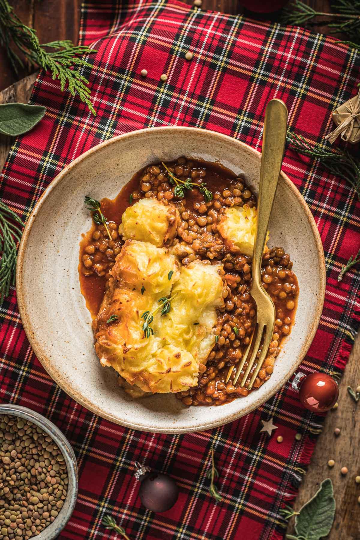 healthy Vegan Shepherd's Pie recipe with lentil ragu for Thanksgiving ricetta di Natale Shepherd's Pie vegana di lenticchie con ragù di lenticchie funghi #glutenfree
