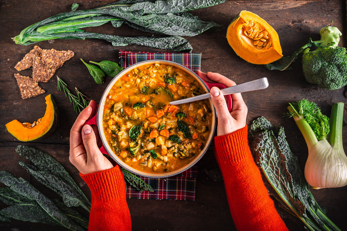 minestrone di verdure autunnale invernale zuppa di verdure Italian pumpkin cavolo toscano hearty fall minestrone soup autumn soup
