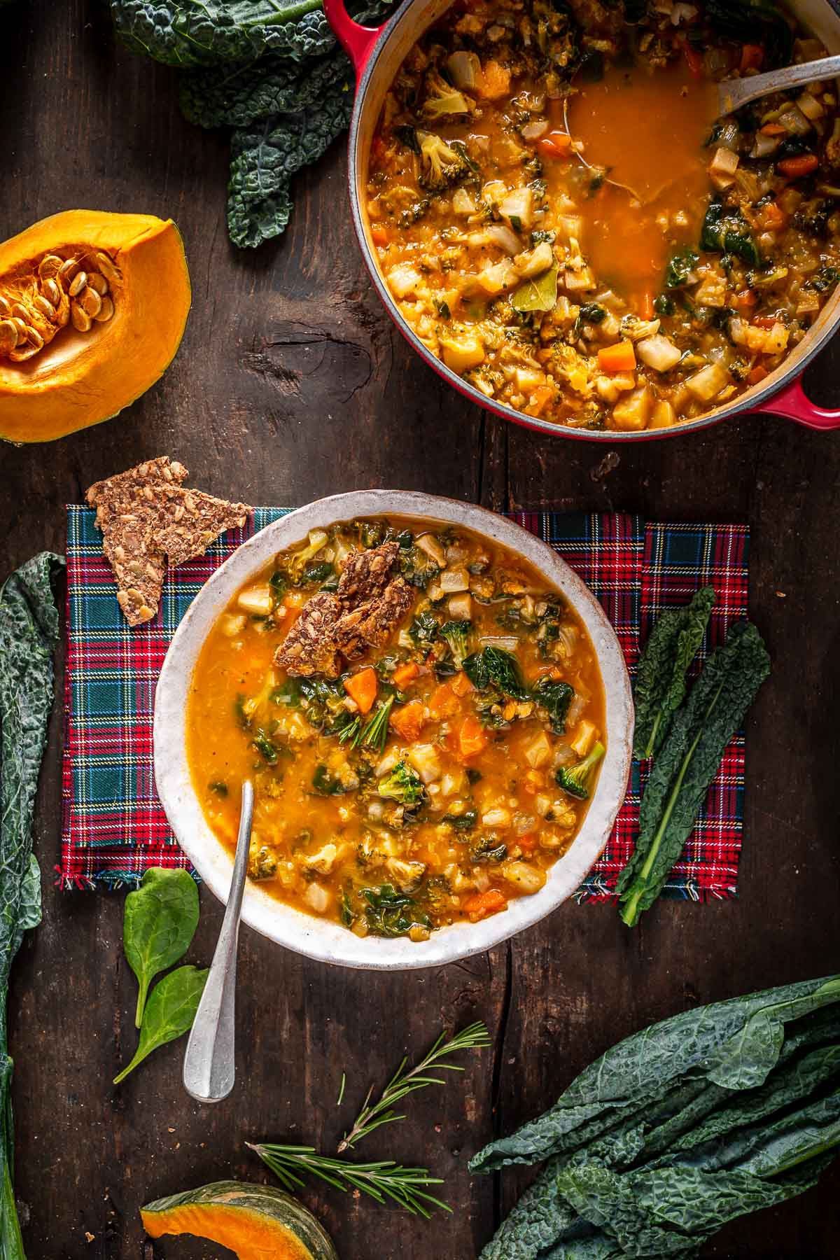 minestrone di verdure autunnale invernale zuppa di verdure healthy hearty fall minestrone soup autumn soup