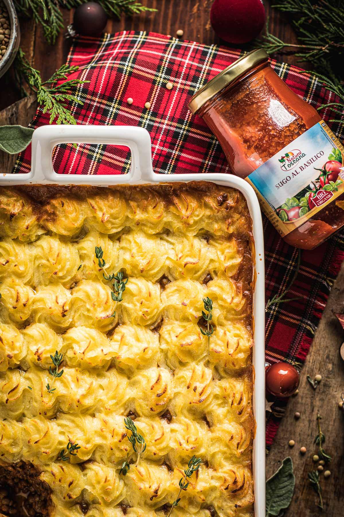 ricetta di Natale Shepherd's Pie vegana di lenticchie con ragù di lenticchie funghi e purè di patate healthy Vegan Shepherd's Pie recipe with lentil ragu for Thanksgiving