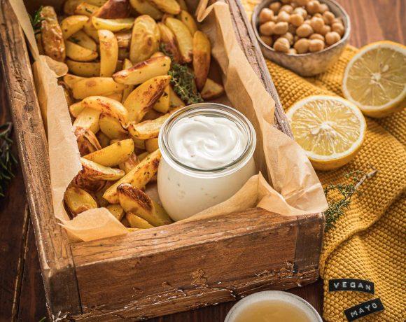 maionese vegan senza uova di aquafaba senza soia 2 minuti con patate al forno easy vegan mayonnaise with aquafaba soy-free mayo ready in 2 minutes with baked potatoes