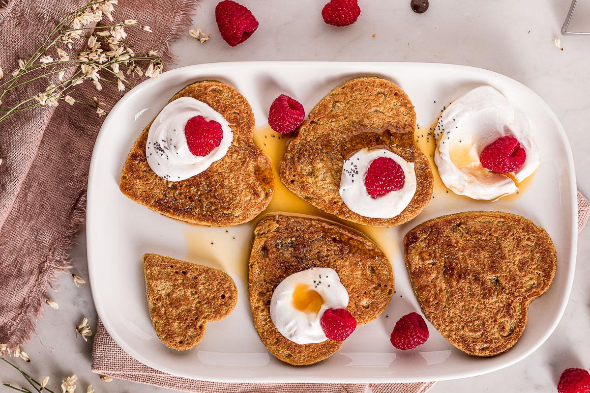 Pancakes vegan senza glutine all'avena e cioccolato facili light senza frutta secca pancakes di San Valentino 1-bowl Nut-free gluten-free vegan oat pancakes