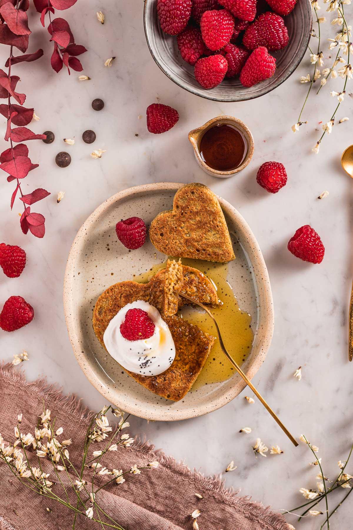 pancakes di San Valentino how to make blender gluten-free vegan oat pancakes nut-free valentine's day pancakes Pancakes vegan senza glutine all'avena e cioccolato facili light senza frutta secca
